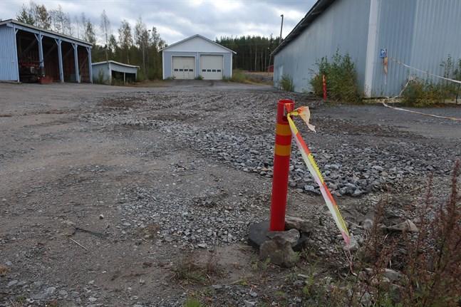 Företaget har flyttat bort sin verksamhet från Industrivägen och höll på att städa upp området när olyckan var framme. Området sanerades omgående.