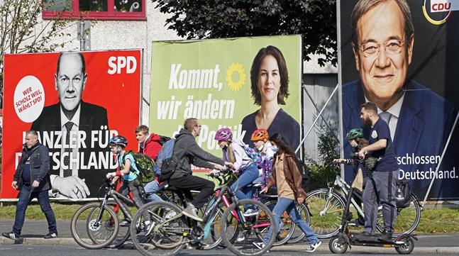Valaffischer för Olaf Scholz, Annalena Baerbock och Armin Laschet.