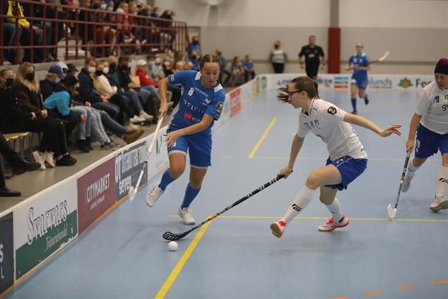 Keena Koskela var på gott målhumör på söndagen, men det räckte inte till poäng i Kuopio.
