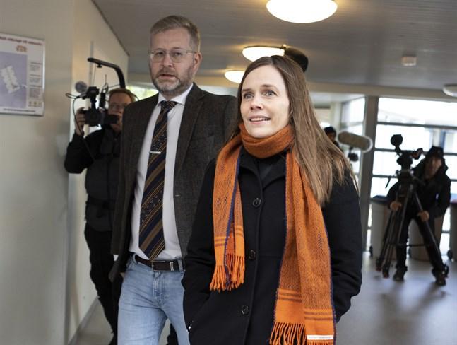 Islands statsminister Katrín Jakobsdóttir röstade tidigare under lördagen i Reykjavik.