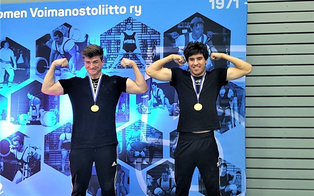 Lucas Knuts och Anders Nygård lyfte guld och finländskt rekord i FM i bänkpress.