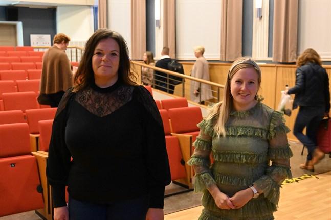 Camilla Stenholm berättade om Eleonora Bed & Breakfast när Hållbarhetsveckan öppnades i Kristinestad. Nora Backlund är projektledare för Österbottens hållbarhetsvecka.