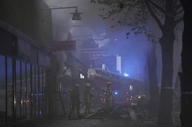 En stor explosion har inträffat vid ett flerfamiljshus på Övre Husargatan i Annedal i centrala Göteborg.