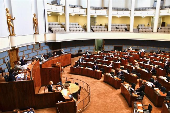 Riksdagen inledde behandlingen av nästa års budget på tisdagen.