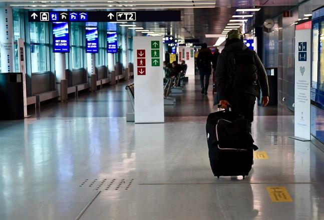 Resenärer som anländer från länder med låg incidens granskas inte alls vid gränsen.