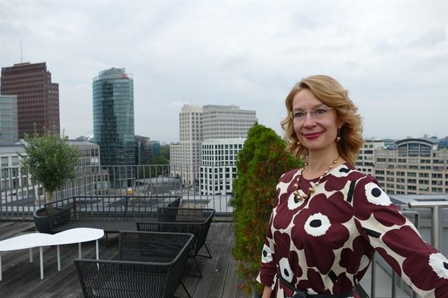 Europaminister Tytti Tuppurainen (SDP) kom till Berlin för att följa SPD:s valvaka och för att träffa tyska politiker som ansvar för Europapolitiken.