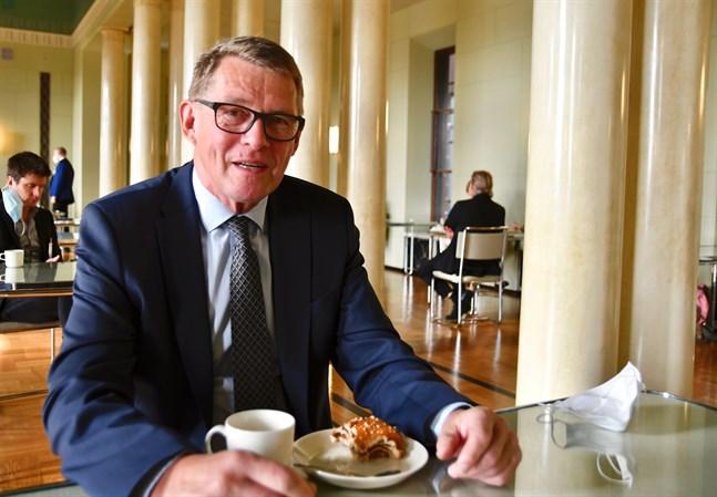 Riksdagsledamot Matti Vanhanen (C) var finansminister från juni 2020 till slutet av maj 2021.