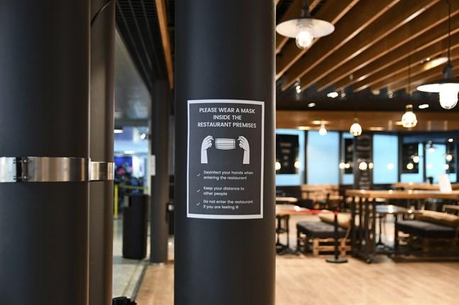 De första restaurangrestriktionerna infördes i början av april 2020.