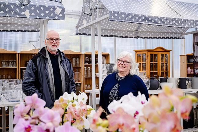 Jan-Erik och Christina Pettersson är nöjda med att lämna över ansvaret till Lindell Flowers.