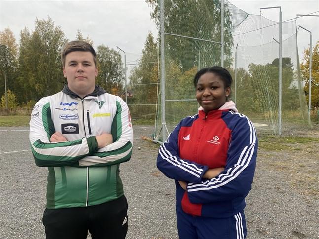 Linus Nurminen och Emmanuela Koomson hör till friidrottens landselit i sina klasser. På torsdagen avslutades säsongen på hemmaplan i Kristinestad.