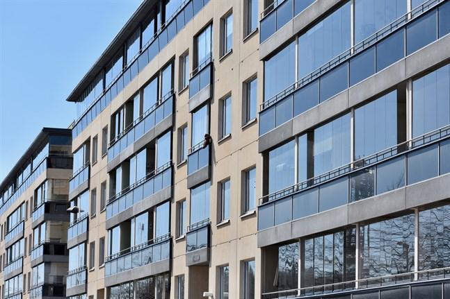 Nybyggen dämpar ökningen av bostadspriserna i Finland enligt Danske Bank.