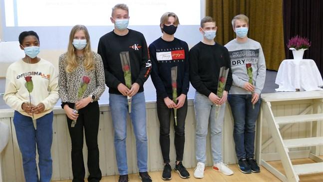 Drotts FM-medaljörer: Priscilla Boateng, Nea Hassila, Oscar Grannas, Adrian Björkgren, Johannes Åhman och Alexander Björkgren.