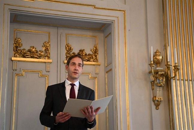 Mats Malm, ständig sekreterare vid Svenska Akademien, tillkännager årets Nobelpris i litteratur.
