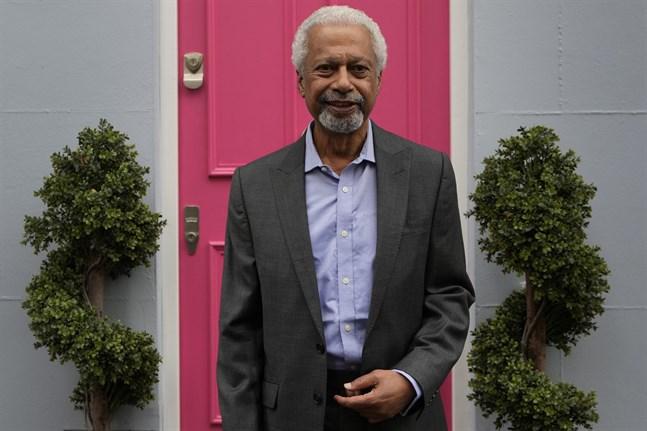 Abdulrazak Gurnah, på plats i London för att möta världspressen.