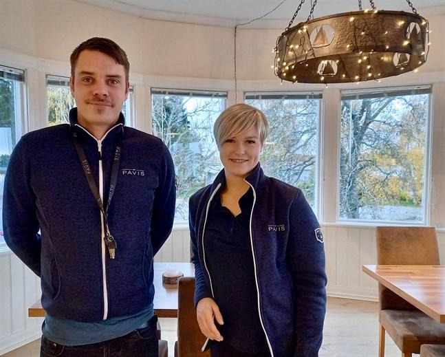 Martin Laikka och Emilia Fagerholm säger att restaurangbranschen ger möjligheter att klättra i karriären.
