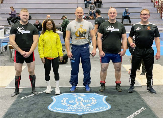 Mikael Kock, Claudia Baende, Mats Smulter, Gustav Kargus och Mathias Björklund tog med sig medaljer hem från SFI-mästerskapen.
