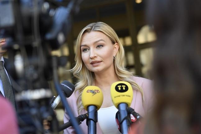 Kristdemokraternas partiledare Ebba Busch har gjort upp om förlikning med säljaren i den omtalade striden om ett hus utanför Uppsala. Arkivbild.