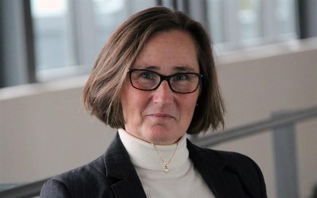 """""""Arcada har inte lyckats växa i samma takt som de övriga yrkeshögskolorna på de mätare som ingår i högskolornas finansieringsmodell"""", säger Mona Forsskåhl, rektor vid Arcada, om de samarbetsförhandlingar som kommer att inledas."""