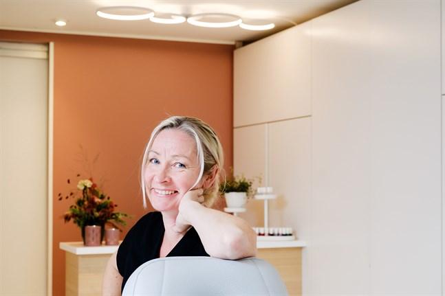 Maria Nyman sadlade om och utbildade sig till kosmetolog efter fyllda 40 – på lördag öppnar Salong Kryddgården.