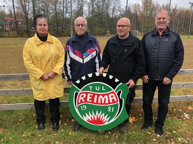 Anrika Yxpilaföreningen Reima firar 100-årsjubileum. Jubileumskommittén består av Ritva Liimatainen, Eino Päivärinta, Tuomo Hautala och Matti Hourula. På bilden saknas Anja Auvinen.