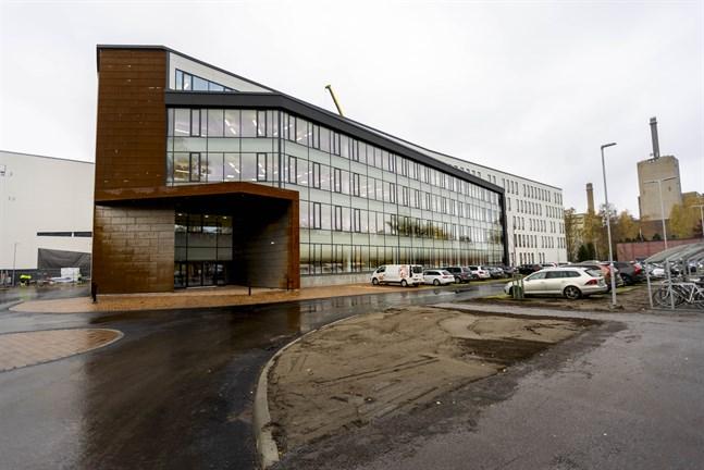De första anställda har flyttat in i Wärtsiläs nya kontor på Vasklot.