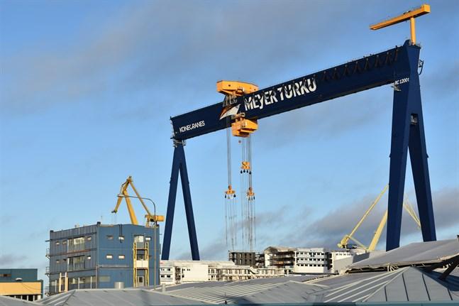 Regionförvaltningsverket i Sydvästra Finland inför obligatoriska hälsokontroller vid skeppsvarvet Meyer Turku i Åbo.