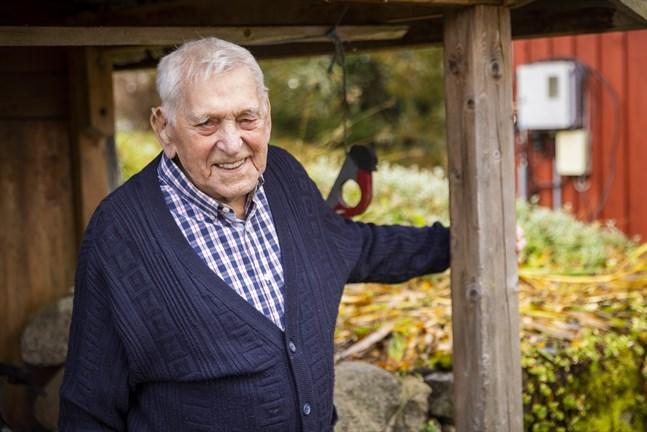 För hundra år sedan föddes Anton Myntti. – Jag har levt ett fullt liv, säger han.