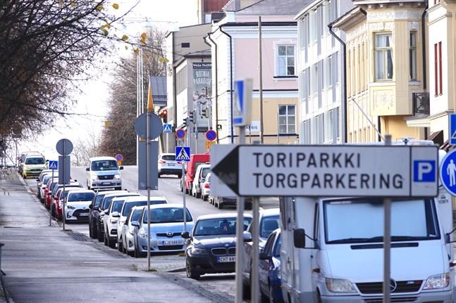 En av Vasa stads målsättningar är att göra det lättare att röra sig i centrum utan bil.