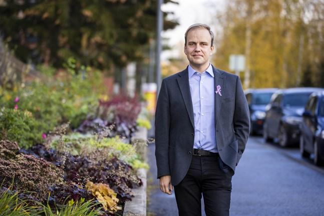 Korsholms ekonomidirektör Henrik Sandback konstaterar att årets budgetarbete präglats av ovisshet kring det nya välfärdsområdet.