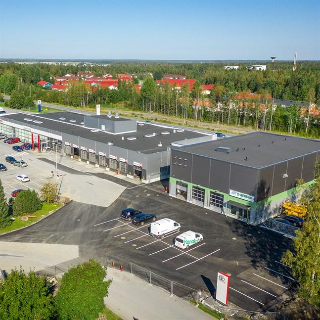 Det nya däckhotellet i Seinäjoki har öppnats i samband med bilaffär Maakunnan Auto, som ägs av KPO.