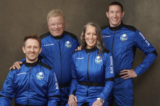 Gänget som reste till rymden på onsdagen. Chris Boshuizen, William Shatner, Audrey Powers och Glen de Vries. Pressbild.