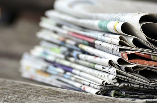 Enligt KMT läser sammanlagt över två miljoner finländare dagstidningar i antingen tryckt eller digitalt format.