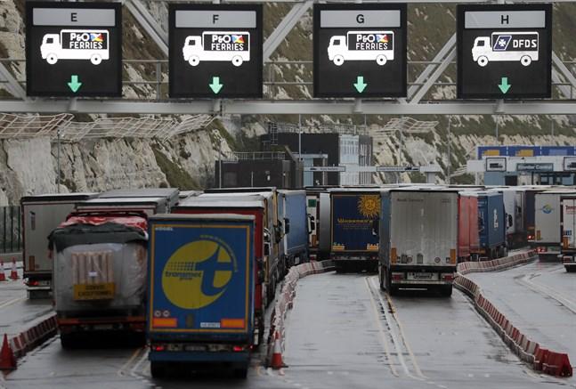 Det råder en akut brist på lastbilschaufförer i EU, varnar branschfolk.