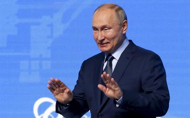 Rysslands president Vladimir Putin bedyrar att gasleveranserna till väst kan ökas när helst det önskas.
