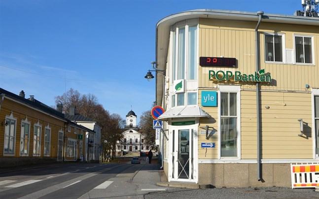 Sydbottens andelsbank har ett kontor i Kristinestads stadskärna.