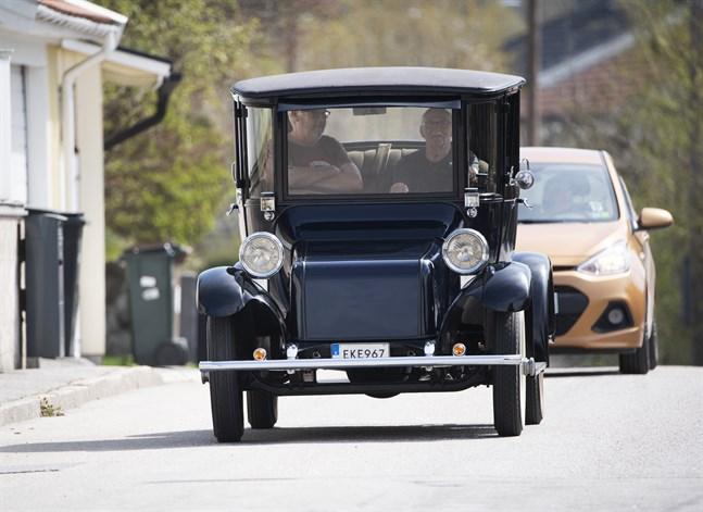 Elbilen Detroit Electric av årsmodell 1919. Arkivbild.