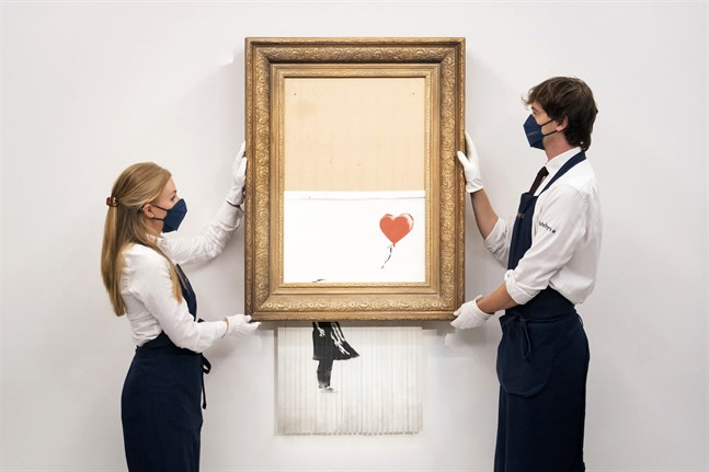 "Det strimlade verket ""Love is in the bin""."